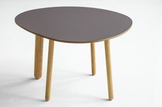 Morris coffee table model 1 in a special color sarmiento
