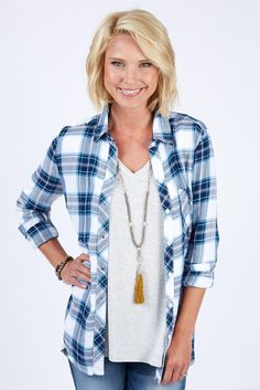 42 Awesome Fall Fashion Trends For Women Over 40 Source by fashion over 50 Clothes For Women Over 40, Fashion For Women Over 40, 50 Fashion, Fall Fashion Trends, Trendy Fashion, Fashion Outfits, 40 Year Old Womens Fashion, Korean Fashion, Spring Fashion