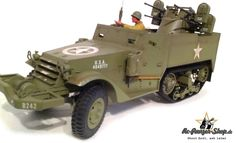 Scale RC Halftrack Vehicle from manufacturer Torro, with sound, shootsimulation and metalgear, GHz. Comes with two painted figures. Can be fitted with normal or rechargeable batteries. Rc Tank, Energy Supply, Rc Remote, Rc Crawler, Battle Tank, M16, Panzer, Military Vehicles, Tanks