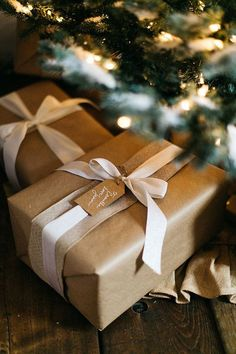 Unique packaging ideas for the holidays. Christmas packaging. #holidays #giftwrapping #christmas