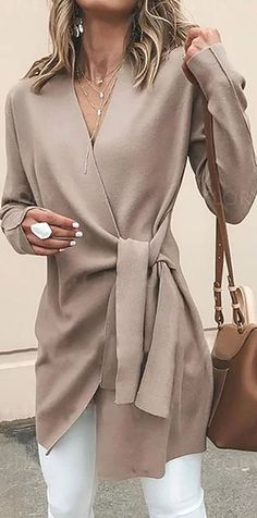 Solid Color V-Neck Casual Outerwear Sweater Solid Color V-Neck Casual Outerwear Jacket – Arcladyshop Fashion Week, Look Fashion, Daily Fashion, Autumn Fashion, Fashion Outfits, Fashion Trends, Fall Outfits, Work Outfits, Fashionable Outfits