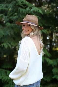 Cute backless sweater by Nasty Gal on Andreaclare