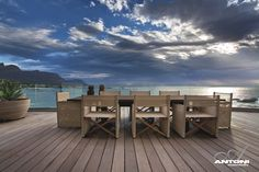 Clifton View apartment perched over dramatic boulders, Cape Town