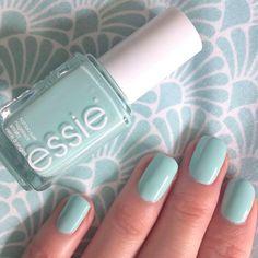 Essie blossom dandy