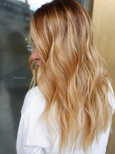 Golden Blonde Balayage for Straight Hair - Honey Blonde Hair Inspiration - The Trending Hairstyle Medium Blonde Hair, Honey Blonde Hair, Strawberry Blonde Hair, Reddish Blonde Hair, Fall Blonde, Black Hair, Summer Hairstyles, Straight Hairstyles, Updos