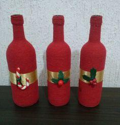 Garrafa Decorativa - Barbante Colorido e Fita de Cetim com Enfeites em Biscuit