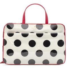 kate spade make up bag is perfect for traveling! #organize :: Tips on organizing your life at NEAT Method