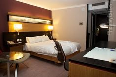 You will find all the luxury you have come to expect from the Hilton brand and more in these spacious and lavish rooms. Manchester Hotels, Manchester Airport, Airport Hotel, Double Room, Relax, Luxury, Bed, Furniture, Home Decor