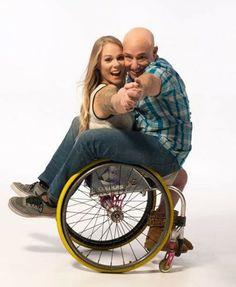 Cadeirantes em Foco: Cadeirante entrelaçado http://cadeirantesemfoco.blogspot.com/2014/02/cadeirante-entrelacado.html?spref=tw