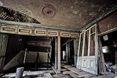 Abandoned Chamber in Chukhloma, Russia. This is Ostashevo Manor, built in the late XIX century.