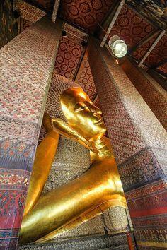 Wat Pho, Buddhist Monk, Gods And Goddesses, Cambodia, Bangkok, Palace, Buddha, Photos, Travel