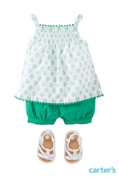 I love the colors and bubble shorts. Although she likes purple, pink, and blue best. Bubble short sets and sandals for little loves born to explore. Little Girl Fashion, Toddler Fashion, Toddler Outfits, Kids Fashion, Outfits Niños, Kids Outfits, Carters Baby Girl, Baby Girls, Toddler Girls