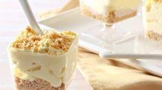 Kolay ve lezzetli bir tatlı yapmak ve misafirlerinize ikram etmek istiyorsanız muzlu triffle tarifi tam size göre...