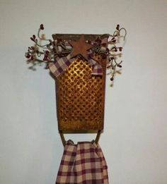 Antique Cheese Grater Country Primitive Kitchen Towel Holder Home Decor Decoration Make Do Grungy Rustic Farmhouse Rusty Metal wvluckygirl - Fox Home Design Rustic Crafts, Country Crafts, Country Decor, Easy Primitive Crafts, Prim Decor, Rustic Decor, Primitive Decorations, Primitive Bathrooms, Primitive Kitchen Decor