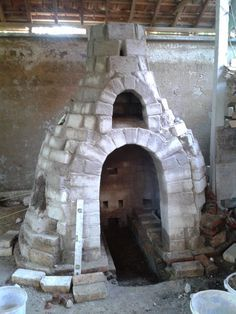 Gaya Ceramic Arts Center: Bottle Kiln Building & Firing at Gaya CAC
