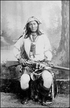 "Ba-Cluth ""Roaming Coyote"". Chiricahua Apache photographed 1885."