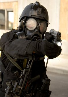 The Jawa Report: Australian Special Forces, Darth Vader Style Tactical Gloves, Tactical Gear, Australian Special Forces, Post Apocalyptic Fashion, Military Special Forces, Military Gear, Zombie Apocalypse, Zombie Gear, Dieselpunk