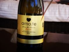 Vinhos amo.te • Wine for Lovers •  Store OnLine www.amote.pt •  Message in a Bottle Collection •  Escreva a sua mensagem num dos produtos amo.te •  amo.te...e eu a ti!