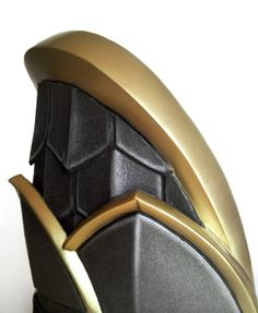 Worbla sealing technique I've been asked many times how I sealed the Worbla on my Wrathion costume for it to look this smooth. I don't have progress pictures but I can explain since it's pretty...