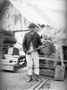 Halász kezében a szákkal 1909