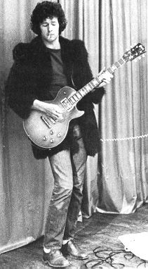 Eric and his Les Paul.
