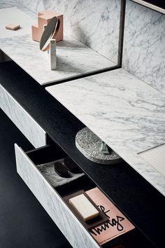 modern bathroom with carrara marble Bathroom Spa, Budget Bathroom, Bathroom Renovations, Marble Bathrooms, Washroom, Bathroom Ideas, Bathroom Organization, Gold Bathroom, Modern Bathrooms