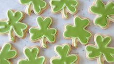 Royal Icing is a hard white icing used to decorate cookies, wedding cakes and gingerbread houses. Desserts Menu, Healthy Dessert Recipes, St Patrick's Day Menu, St Patrick's Day Appetizers, Biscuits, Epicure Recipes, Specialty Cookware, Baked Rolls, Recipe Search