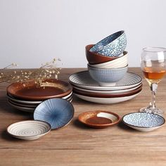 Kokoro™ - Traditional Japanese Dinner Plate Set These traditional Japanese 'Kokoro' plates are beautifully designed, affordably affluent, and culturally luxurious. The designs are inspired by this ide Japanese Plates, Japanese Kitchen, Japanese Ceramics, Dinner Plate Sets, Dinner Sets, Dinner Plates, Ceramic Tableware, Kitchenware, Osaka