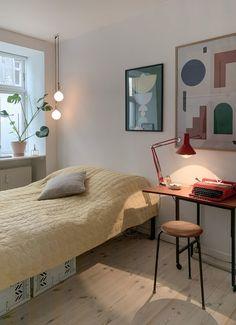Room Ideas Bedroom, Home Decor Bedroom, Room Decor, Teen Bedroom, Shabby Chic Bedrooms, Guest Bedrooms, Teenage Bedrooms, Tiny Bedrooms, Retro Home Decor