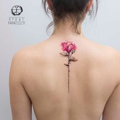 Spring on the skin: You will love these delicate flower tattoos - Frühling auf der Haut: Diese zarten Blumen-Tattoos wirst du lieben! Spring on the skin: You will love these delicate flower tattoos! Girly Tattoos, Trendy Tattoos, Small Tattoos, Cool Tattoos, Tatoos, Feather Tattoos, Spine Tattoos, Body Art Tattoos, Sleeve Tattoos