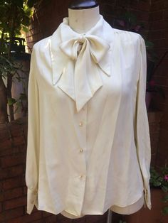 Vintage Extra Long Point Collar Crepe Blouse Has Detachable Neck Tie #Unbranded