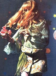 jenny boyd modelling the fool designs for the beatles apple boutique Colleen Corby, Retro Fashion, Vintage Fashion, Psychedelic Fashion, Pattie Boyd, 70s Aesthetic, Vintage Vibes, Twiggy, Jean Shrimpton
