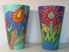 Painted Clay Pots, Painted Flower Pots, Flower Pot Crafts, Clay Pot Crafts, Wine Glass Crafts, Bottle Crafts, Pottery Painting, Ceramic Painting, Pots D'argile