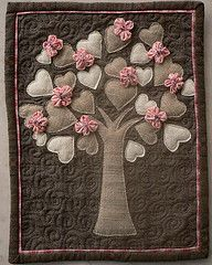 love this.  Not pattern or directions, but looks to be made from felt - on the site it's a quilt.