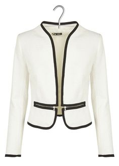 Love the cut, like the black details on the colored blazerRed and black combination is awesomePin by Sandra Lozano Guevara on Ropa ejecutiva in Zipped Blazer In White and outfit - Salvabranifind more at Corporate Attire, Business Attire, Suits For Women, Jackets For Women, Clothes For Women, Blazer Fashion, Fashion Outfits, Professional Wear, Elegantes Outfit