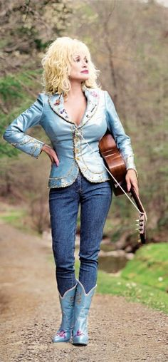I know I could never look like Dolly Parton, but I LOVE this outfit!! So cute and cool! She looks great!