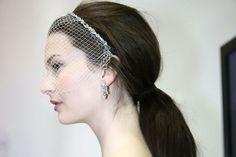 Peinado de novia en cola de caballo con velo #bodas #elblogdemaríajosé #peinadonovia #coladecaballo