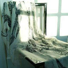 BISJOUX feathers scarf Trendarty.com follow us on: https://www.facebook.com/trendarty/?ref=hl https://twitter.com/trendarty5 https://es.pinterest.com/trendarty/ and https://vimeo.com/trendarty #belleza #beauty #moda #invierno #gorros #gorras #hat #ropadeinvierno #abrigo #chaquetas #bufandas #guantes #lluvia #nieve #cortaviento #abrigarse #modamuje #modahombre #modadeinvierno #pañuelos #fulares #ponchos #poncho #escharpes #mantas #turbantes #cintadelpelo #cinta #seda #diadema