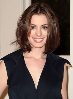 """Anne Hathaway Photos Photos - Actress Anne Hathaway attends """"Meet The Actors"""" hosted at the Apple Store Soho with Steve Carell and herself on June 18, 2008 in New York. - Steve Carell And Anne Hathaway Visit Apple Store Soho"""