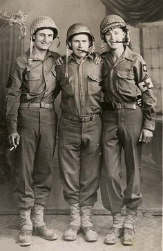 WW2 .82nd Airborne Combat Medics in a posed picture taken in Italy