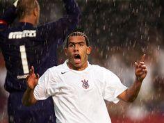 Tévez jogou no Corinthians de 2005 a 2006 e conquistou um Brasileirão