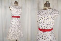 1950s Dress// 50s Dress// White Dress// Wiggle Dress// Novelty Print Dress// Large by RockabillyRavenVtg on Etsy