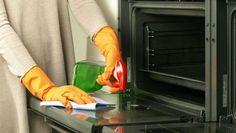 Καθαρίστε το φούρνο σας με τον πιο ξεκούραστο τρόπο. Δείτε πώς...