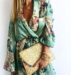 It honestly feels like summer today 💗 Look Kimono, Kimono Outfit, Kimono Fashion, Look Fashion, Fashion Outfits, Womens Fashion, Fashion Design, Casual Chic, Boho Chic