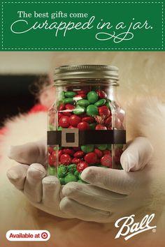 Mason Jar Christmas Gifts, Christmas Crafts For Gifts, Christmas Gifts For Friends, Kids Christmas, Christmas Party Favors, Homemade Xmas Gifts, Easy Homemade Christmas Gifts, Diy Gifts In A Jar, Gift Jars