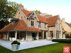 Landelijke villabouw met overdekt terras | house designs | dream homes | dreamy houses | droomhuis | Hoog.design