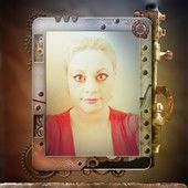 Sara's Steampunk iPad. The portrait shows Sara Mazzolini in France 2015. Photo partagée par Share.Pho.to : http://pho.to/8u3xJ