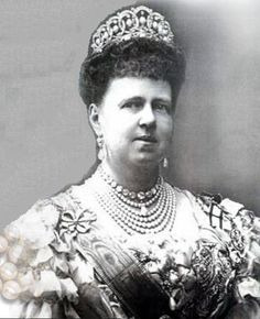 A large diamond and pearl Faberge tiara. Made for Grand Duchess Maria Alexandrovna, daughter of Tsar Alexander II, and wife of Prince Alfred, second son of Queen Victoria, and Duke of Saxe-Coburg-Gotha.