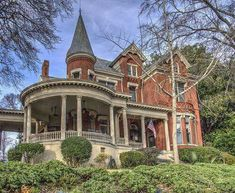 This Victorian is a true classic with the Tower,round Porch and multiple gables. Victorian Architecture, Beautiful Architecture, Beautiful Buildings, Beautiful Homes, Architecture Design, Victorian House Interiors, Victorian Style Homes, Victorian Houses, Victorian Decor