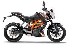 KTM 390 Duke and 200 Duke - The 10 Best Beginner Motorcycles | Complex UK